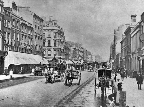 Old photo of Oxford Street